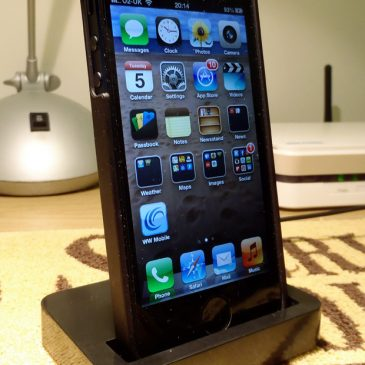 Review: iPhone 5 Dock from Mobile Fun
