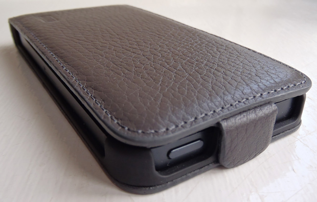 Artwizz See Jacket Flap Plus Leather Case