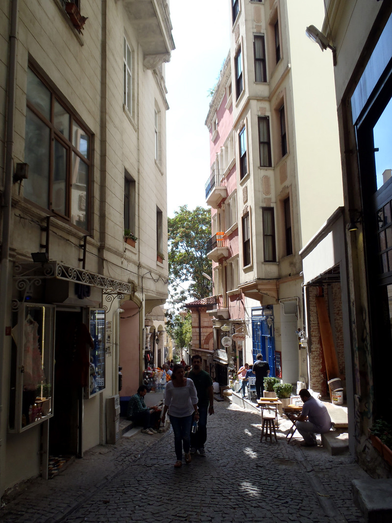 TopDeck Turkey Diary - Galata Streets
